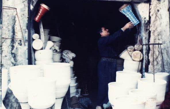 فقراء الموصل يستعينون بـ (الحب) في محاربة العطش