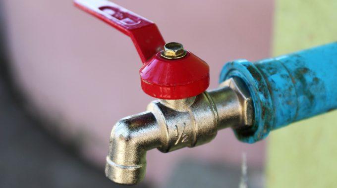 الموصل بحاجة الى شبكة جديدة لأنابيب نقل المياه